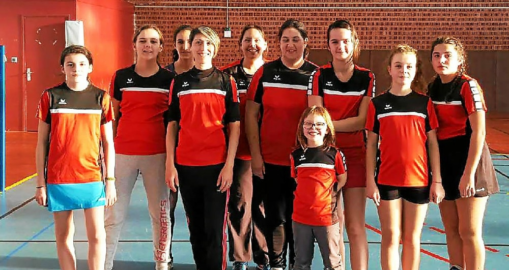 photos/2017-2018/tournois_seniors/badgirls.jpg